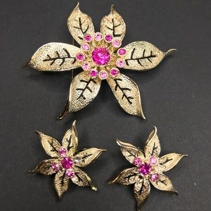 Vintage Sarah Coventry Pink Floral Pin & Earrings